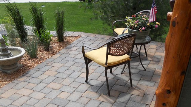 Hardscape, Pavers, and wall block suppliers at wholesale costs in colorado